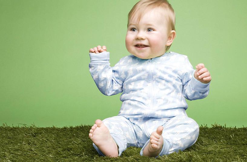 Как правильно должен сидеть малыш